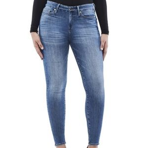 Good American Good Legs Cropped High Waisted Jeans